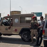 Egitto, miliziani attaccano check-point nel Sinai. Esercito: uccisi almeno 100 jihadisti,...