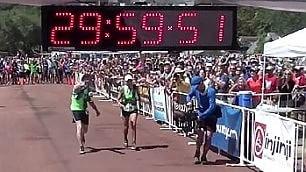 Corre l'ultramaratona a 70 anni  161km: è record di resistenza