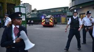 Wimbledon, secondo allarme  Stadio evacuato per incendio
