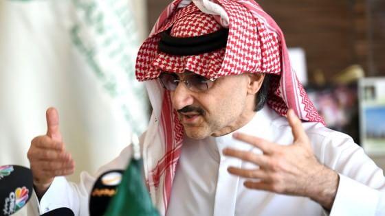 """Beneficenza, il super regalo del principe saudita: """"32 miliardi di dollari per poveri e donne"""""""