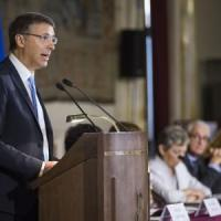 """Corruzione, la relazione di Cantone: """"Piani ancora insufficienti, cambiare legge Severino"""""""