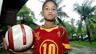Il piccolo Martunis, dallo tsunami  alle giovanili Sporting Lisbona