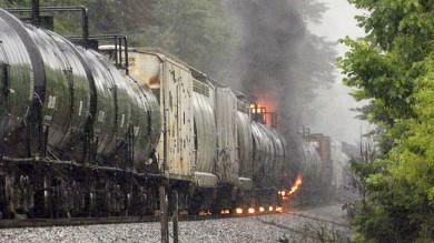 Usa, guasto a treno con sostanze tossiche  vagone in fiamme: cinquemila evacuati