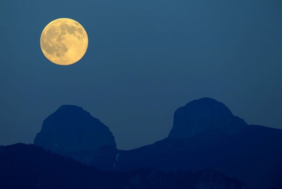 """Torna la """"Luna blu"""": luglio regala un doppio plenilunio"""