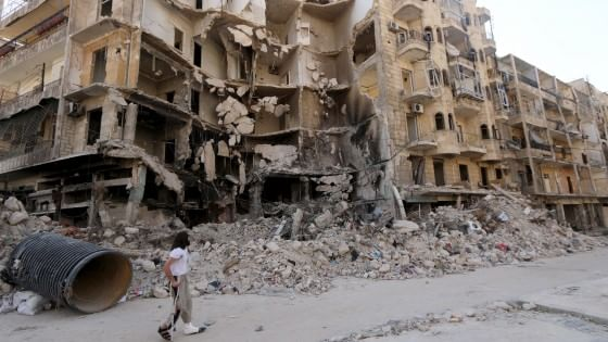 Siria, offensiva coalizione islamista per strappare Aleppo a Assad. Iraq, ucciso in raid leader Is