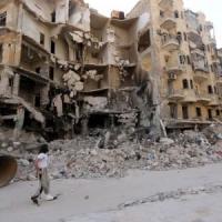 Siria, offensiva coalizione islamista per strappare Aleppo a Assad. Iraq, ucciso in raid...