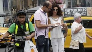 Sposini greci senza un soldo la luna di miele è un incubo