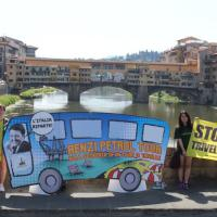 "Greenpeace contro le trivelle,  parte il ""Renzi Petroltour"" in difesa dei mari italiani"