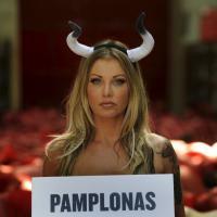 Pamplona, animalisti nudi per protesta contro la corsa dei tori