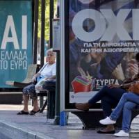 """Referendum Grecia, urne chiuse e 'no' avanti. Tsipras: """"Oggi la democrazia batte la paura"""""""
