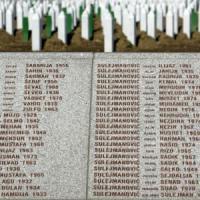 """Massacro di Srebrenica, l'Observer: """"Onu, Usa, Francia e Gran Bretagna permisero il..."""