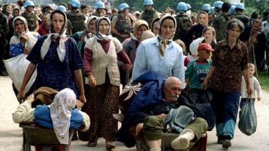 """Srebrenica, l'Observer: """"Onu, Usa, Francia e Gb hanno permesso quel genocidio"""""""