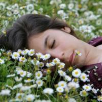 Si possono combattere i pregiudizi anche... dormendo