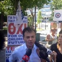 """Referendum Grecia, gli italiani del 'No' ad Atene: """"Togliete potere alle banche"""""""