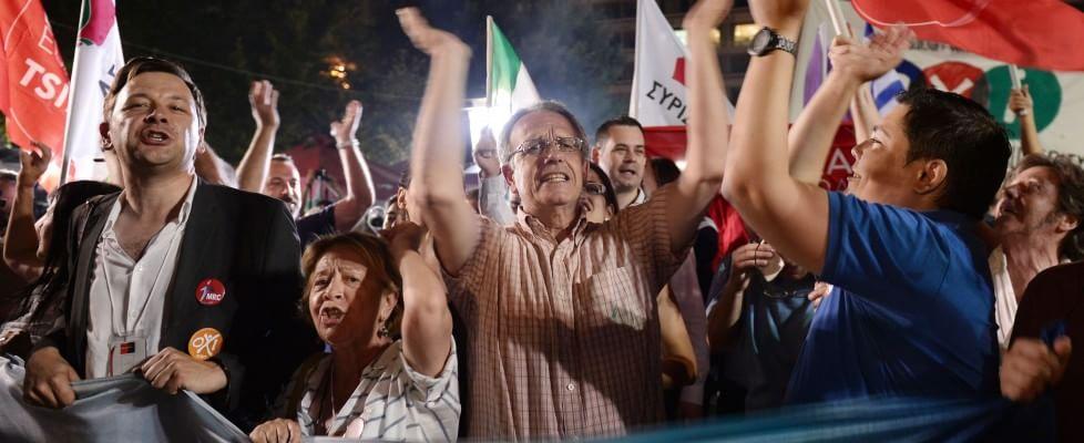 """Referendum Grecia, vince il 'no'. Tsipras: """"Democrazia non può essere ricattata"""""""