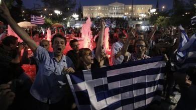 """Referendum Grecia, Mattarella: """"Per Ue scenari inediti"""". Fronte del 'no' in piazza ad Atene"""