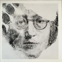 """""""Mano-stamping"""": dal palmo alla carta, i ritratti dell'insegnante d'arte"""