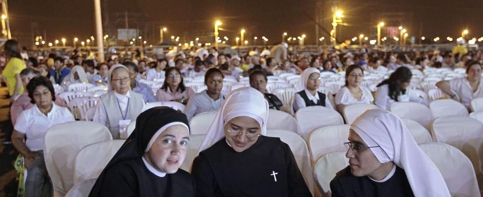 """Papa Francesco, secondo giorno in Ecuador con un milione di fedeli: """"Quello che sembra impuro Dio può trasformarlo"""""""