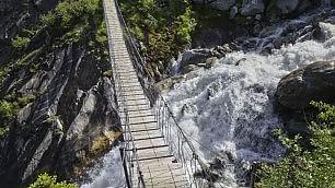 Sospesi nel vuoto con brivido i cento ponti delle meraviglie