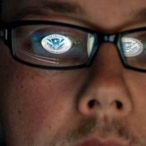 """Hanno hackerato l'Hacking Team: """"Ha lavorato per regimi illiberali"""""""
