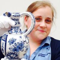 GB, Il vaso è restaurato: rintracciato l'anonimo baby vandalo