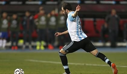 Roma in pressing su Salah  Arsenal, 60 milioni per Higuain