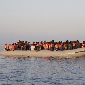 "Stato islamico, Eurojust: ""Jihadisti nascosti tra i migranti verso Europa"""