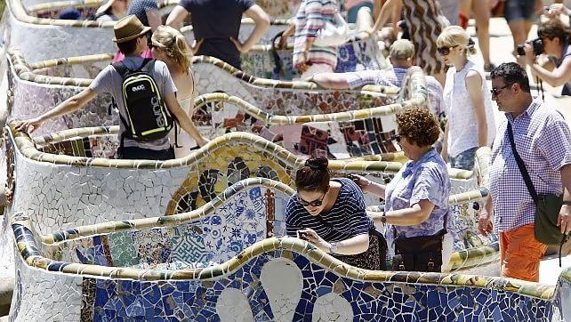 Fotoracconto . Se Barcellona caccia i turisti