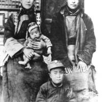 Dall'infanzia alla fuga in India :l'album privato del Dalai Lama