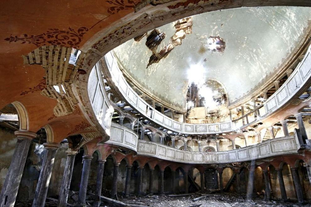 Ville e dimore abbandonate: viaggio nell'Italia borghese
