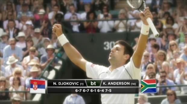 Djokovic e Serena avanzano fra le polemiche