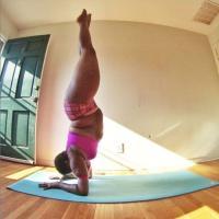 Jessamyn, l'insegnante di Yoga plus-size contro ogni cliché