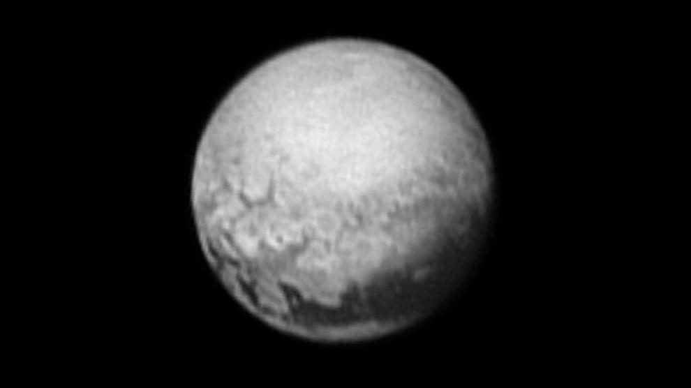 Il primo piano di Plutone: New Horizons è sempre più vicino