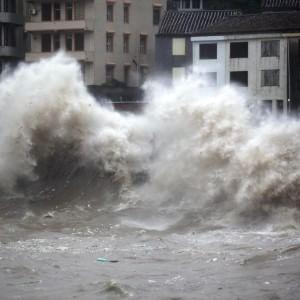 Tifone Chan-hom raggiunge la Cina, un milione di persone evacuate nel sudest