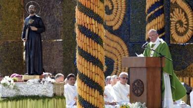 """Un milione in Paraguay per il Papa """"Non si può impedire l'accoglienza"""""""