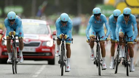 Tour de France, cronosquadre alla Bmc. Froome resta in giallo, Nibali si difende