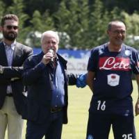 Napoli, De Laurentiis: ''Vogliamo vincere, con Sarri la maglia sarà sempre sudata''