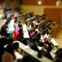 Meno borse, più tasse, niente alloggi: studenti universitari in affanno