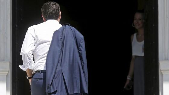"""Grecia, presentate le prime riforme. Sindacati in piazza. Tsipras: """"Più Iva, non tagliamo stipendi e pensioni"""""""