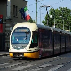 A Milano 50mila auto in meno. Diminuiscono smog e traffico