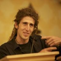 Il programmatore che fa ammattire l'Fbi. Da un isolotto nell'oceano