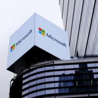 """Microsoft non abbandonerà il business del """"mobile"""""""