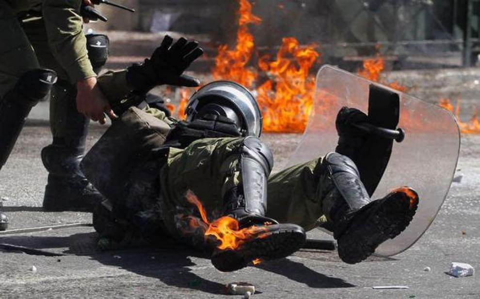 Grecia, marcia anti-austerity: lacrimogeni e molotov