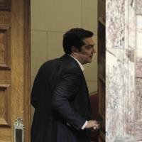 Grecia, sì del Parlamento alle riforme. Volti tesi in aula