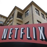 Netflix vola sul boom di utenti: sfonda quota 65 milioni, il titolo oltre 100 dollari