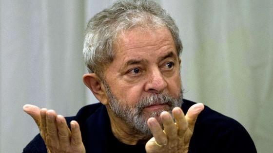 Brasile, aperta inchiesta sull'ex presidente Lula per corruzione