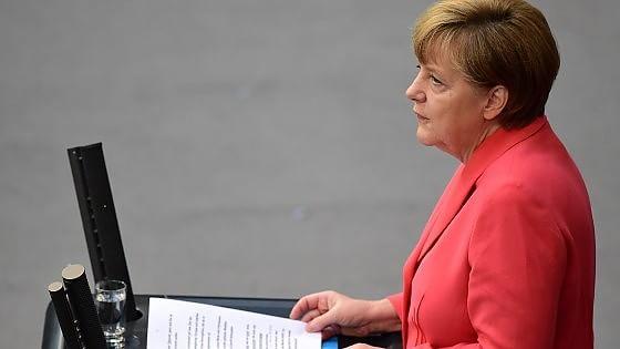 Via libera tedesco al piano per Atene. Tsipras vara il rimpasto