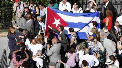 Usa-Cuba, riaprono ambasciate   video   Kerry nella capitale cubana il 14 agosto