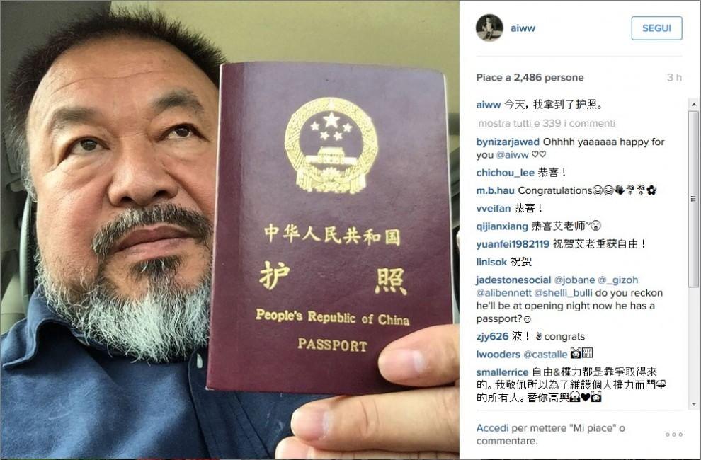 Ai Weiwei, spiragli di libertà: su Instagram mostra il suo passaporto