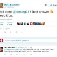 Balotelli, elogi a Sterling su Twitter: i tifosi del Liverpool non la prendono bene